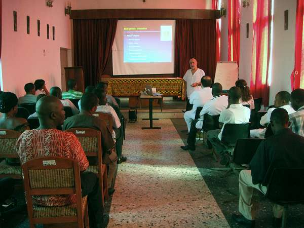 Dr. Velasco, during his lecture at the Saint Joseph´s Catholic Hospital´s trainig course on Laboratory techniques