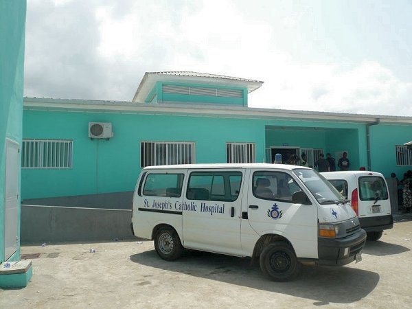 New Kru Town Health Center and Saint Joseph´s Catholic Hospital´s ambulance